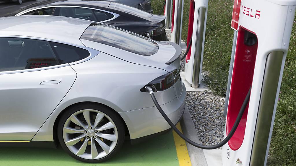 Tesla will sein Ladenetzwerk für andere E-Autos öffnen