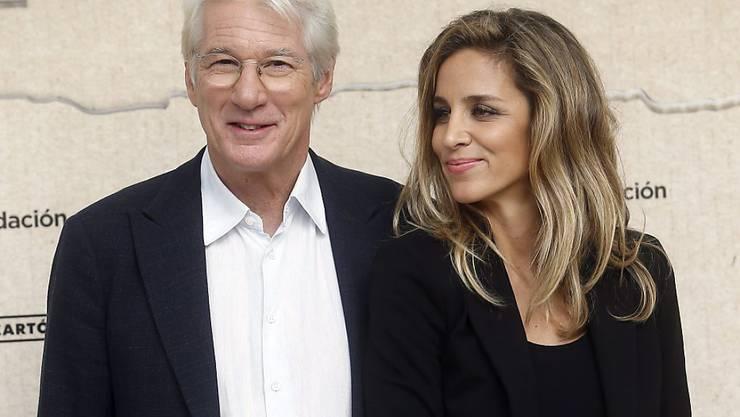 Wurden Eltern: US-Schauspieler Richard Gere (69) und seine spanische Frau und Aktivistin Alejandra Silva (35). (Archivbild)