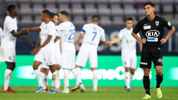 Keine Chance gegen Lausanne: Aarau musste sich auswärts mit 1:5 geschlagen geben.