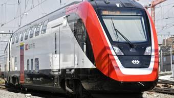 Werden wir künftig zwecks Effizienzsteigerung alle am Morgen als eben erst aufgewachte Zombies in die S-Bahn ein- und als frische und motivierte Arbeitskräfte am Zielort wieder aussteigen? (Archiv)