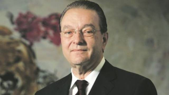 Chris Iseli - az