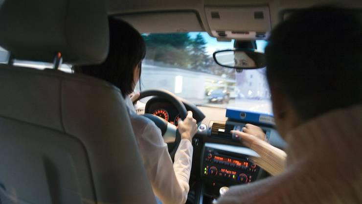 Begleitfahrer sollten auf dem neusten Stand sein (Symbolbild)