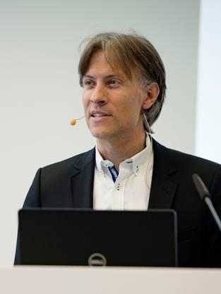 Andreas Dietrich an einer Konferenz.