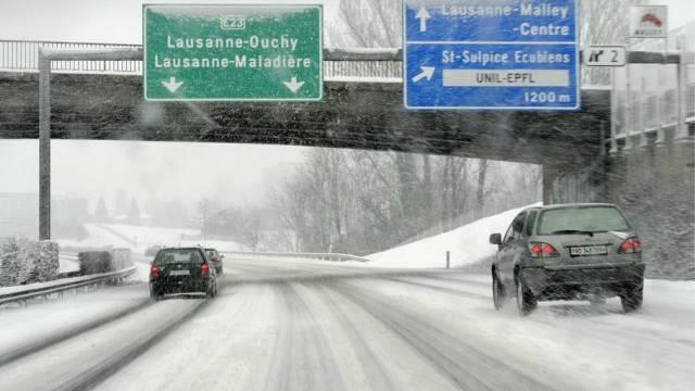 Die Signalisationen der Autobahn werden nun kontrolliert
