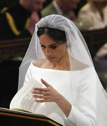Das Brautkleid, das Meghan zur Hochzeit mit Prinz Harry trug...