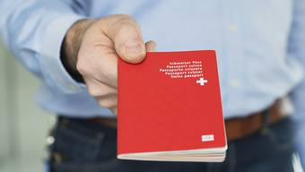 Der Mazedonier möchte den roten Pass, wird sich aber weiter gedulden müssen. (Symbolbild)