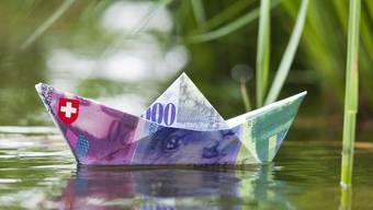 Die Ökonomen der Universität St. Gallen kommen zum Schluss, dass sich zwar die Öffnung der Einkommens-Schere hierzulande in Grenzen halte, aber die Superreichen noch reicher geworden seien. (Symbolbild)