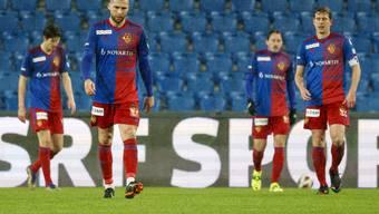 Hängende Köpfe beim FC Basel nach dem 1:4 gegen den FC Zürich.