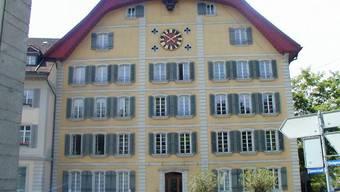 Das Hünerwadelhaus, in dem die KV-Schule untergebracht ist, wurde erst kürzlich für rund 4,4 Mio. Franken saniert und den Bedürfnissen des Schulbetriebs angepasst.