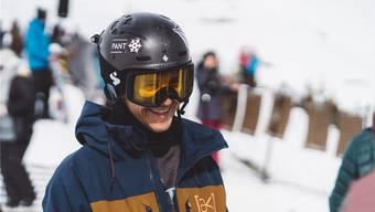 Ein lachender Terje Haakonsen in Laax: Obwohl unterdessen 44 Jahre alt ist er noch immer in vielen Dingen das Mass aller Dinge. Er ist die Überfigur im Snowboard-Sport.