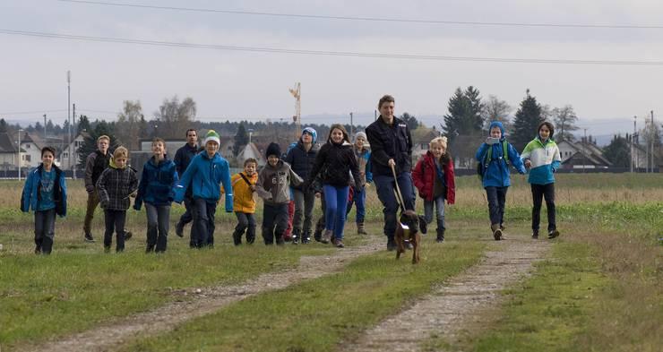 Die Kinder konnten in die Arbeit eines Hundeführers einblicken