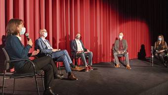 Nach der Vorpremiere im Kino Trafo Baden diskutierten Claudia Christen, Marcel Ruf, Christoph Decker und Christine Jaeggi (v.l.) unter der Leitung von Stephan Lehmann-Maldonado (Mitte).