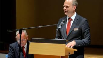 Die Handelskammerspitze: Präsident Hans Kuhn (sitzend) und Direktor Daniel Probst.
