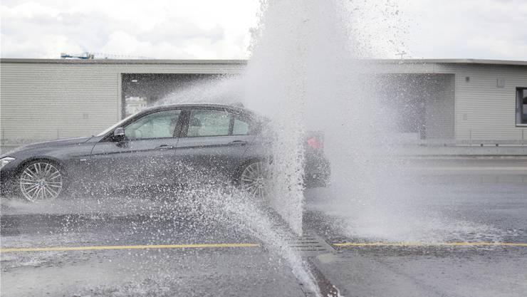 Wer heute einen definitiven Führerausweis fürs Auto will, muss einen Weiterausbildungs-Kurs (Wab-Kurs) machen, in dem unter anderem das Fahren unter erschwerten Wetterbedingungen geübt wird. Die Kurse werden auch Schleuderkurse genannt.