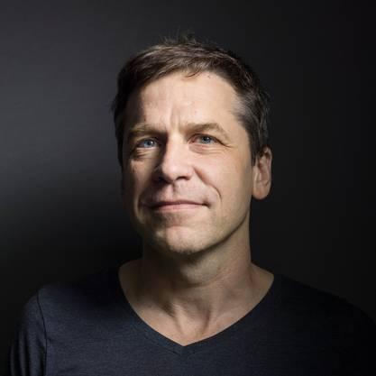 Guy Krneta Autor
