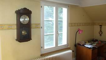 Durch dieses im oberen Stock liegende Fenster ist die Täterschaft ins Haus eingestiegen.