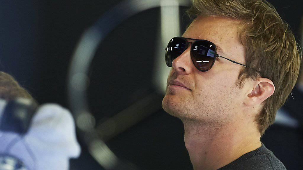 Ganz entspannt verfolgt der zurückgetretene Weltmeister Nico Rosberg Anfang März die ersten Testfahren in Barcelona