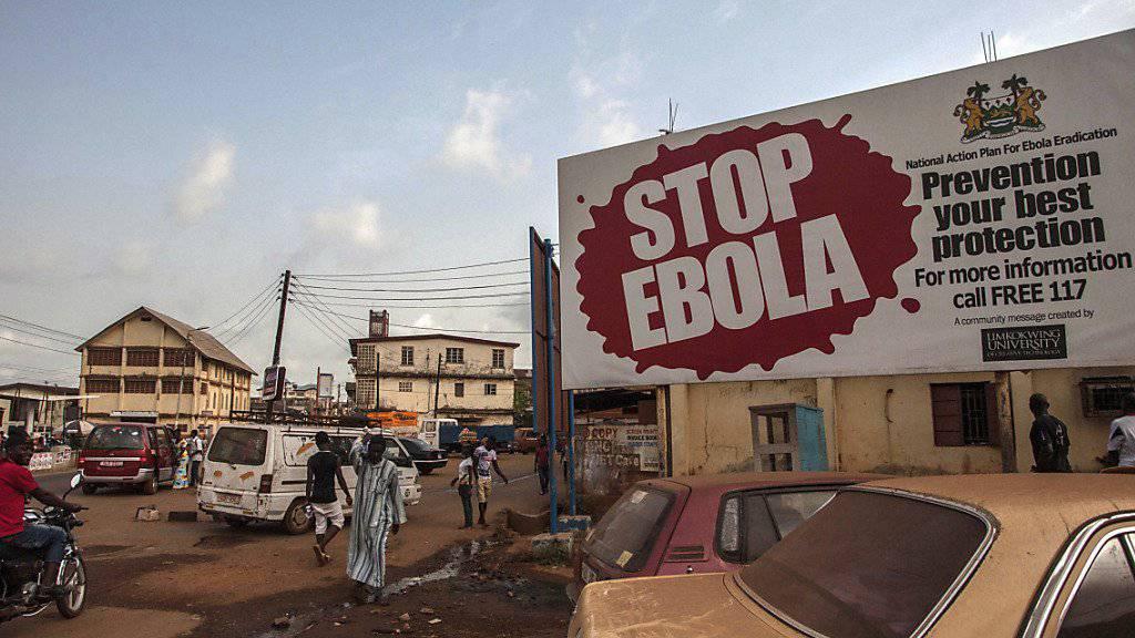 Beim Roten Kreuz in Westafrika wurden Gelder veruntreut, mit denen eigentlich die Ebola-Epidemie eingedämmt werden sollte. (Archivbild Sierra Leone)