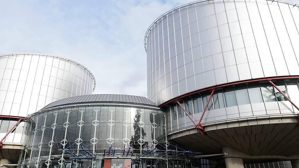 Gericht verurteilt Frankreich für unwürdigen Umgang mit Migranten