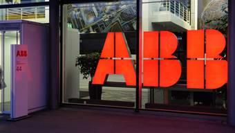 Eingang des ABB-Gebäudes in Zürich (Archiv)