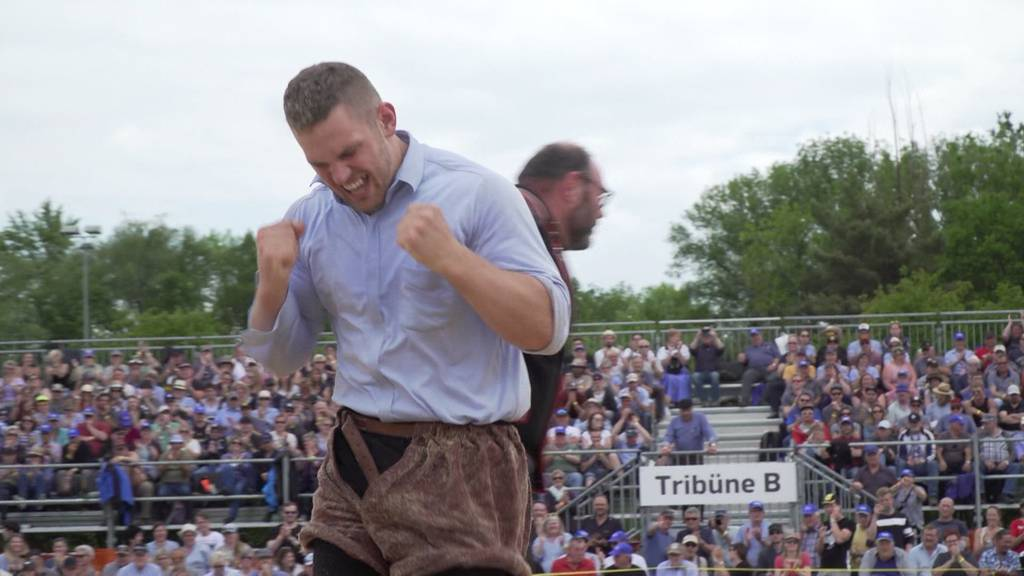Käser Remo siegt am Seeländisches Schwingfest in Lyss