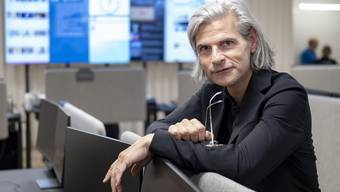 Mehr Manager als Journalist: SRF-Kulturchef Stefan Charles im neuen Grossraumbüro des MOH.