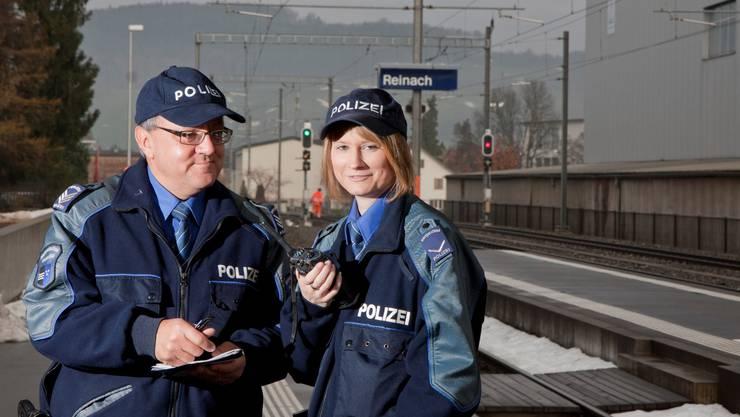 Andrea Kündig und Willi Helfer von der Repol aargauSüd. (Foto: Peter Siegrist)