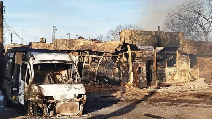 Ein Zugunglück in Bulgarien hatte verheerende Folgen für eine kleines Dorf: Mindestens fünf Menschen starben, die Explosion von mehreren Gastanks führte zu grossen Schäden.