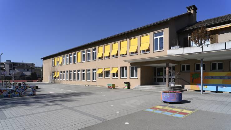Das Schulhaus Letten in Birmensdorf.