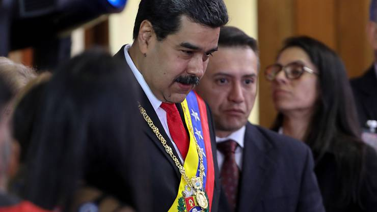 Venezuelas Präsident Nicolas Maduro kann sich derzeit noch auf das Militär verlassen. Er hat Dialogbereitschaft im Machtkampf mit Juan Guaido signalisiert.