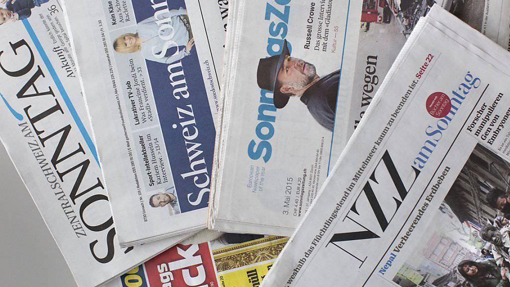 Die Schweizer Sonntagszeitungen schreiben über Kunst-Schmuggel, ein Kopftuch-Urteil und das Kaufverhalten. (Archivbild)