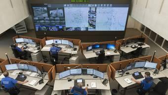 Die Kantonale Notfallzentrale im Neubau vom Polizeikommando der Kantonspolizei Aargau in Aarau