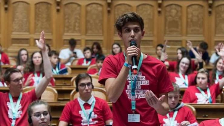 Die SP fordert, dass auch Jugendliche ab 16 Jahren in der Politik mitreden dürfen und abtimmen sollen. (Symbolbild)