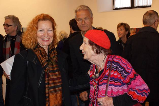 Künstlerin Simone Bonzon mit Brigitta Luisa Merki von Flamencos en route
