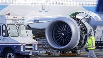 Das Flugverbot für die Boeing 737 Max hat dem weltgrössten Reisekonzern TUI einen Gewinneinbruch eingebrockt. (Archiv)