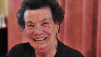 Rosa Zanetti freut sich täglich über «ihre» Zeitung aus dem Unterland.