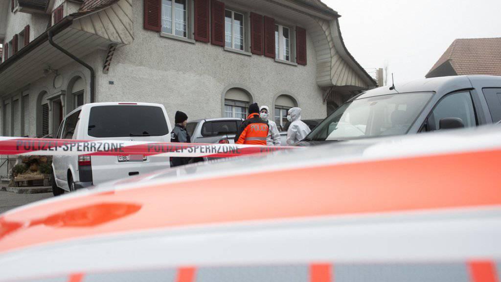Nach langen Ermittlungen nach dem Tötungsdelikt in Laupen, scheint die Polizei nun einen ersten Erfolg zu verzeichnen.