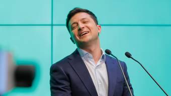 Der neugewählte ukrainische Staatspräsident Wolodymyr Selenskij in seinem Hauptquartier in Kiew am Wahlsonntag.