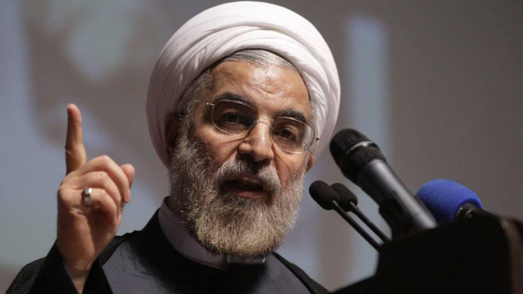 Hassan Ruhani zeigt sich unbeeindruckt von den neuen US-Sanktionen. (Archivbild)