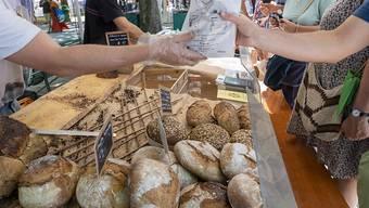 Für Nahrungsmittel geben Schweizer Haushalte pro Monat im Durchschnitt 636 Franken aus. (Themenbild)