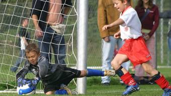 Auf dem Bild geht es fair zu und her, das ist aber auch bei den Spielen der Kleinen nicht immer der Fall.