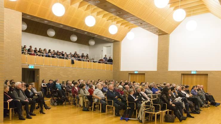 Der Gemeindratssaal in Dietikon soll eine neue Akustikanlage erhalten. (Archiv)