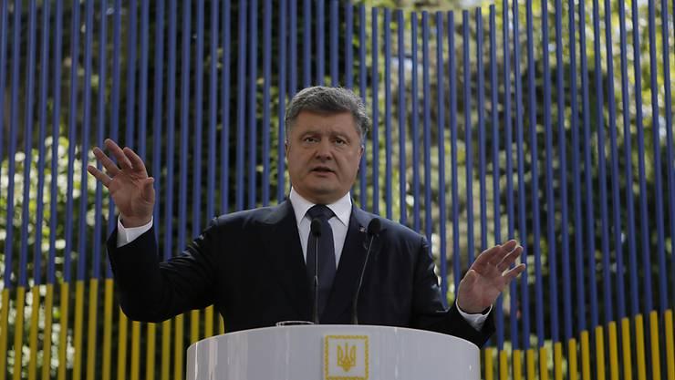 Rede vor dem Parlament, grosse Medienkonferenz: Knapp ein Jahr nach seinem Amtsantritt macht Präsident Poroschenko eine PR-Tour