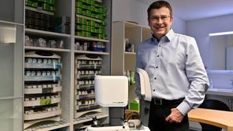 Firmeninhaber Marco Trotter in den Räumlichkeiten, die nun fürs Kontaktlinsengeschäft umgebaut werden.