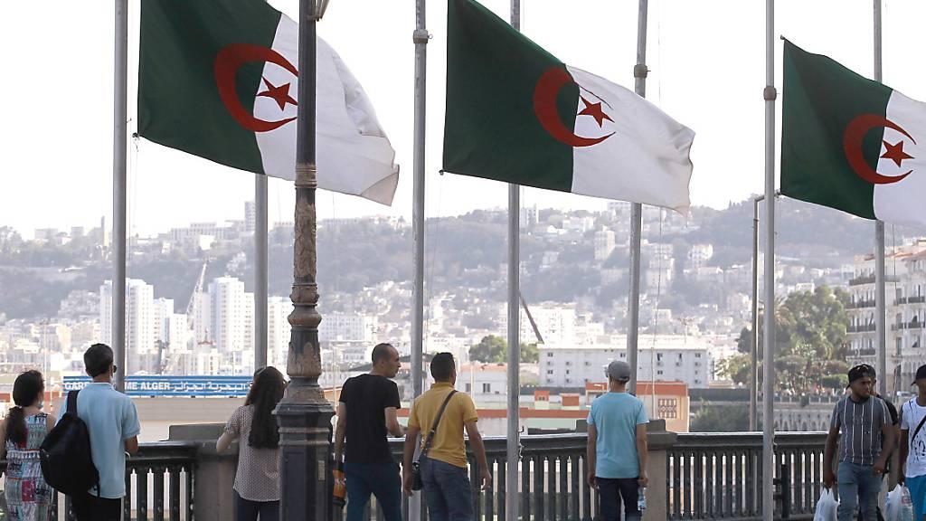 Algerien trauert um verstorbenen Staatschef Bouteflika