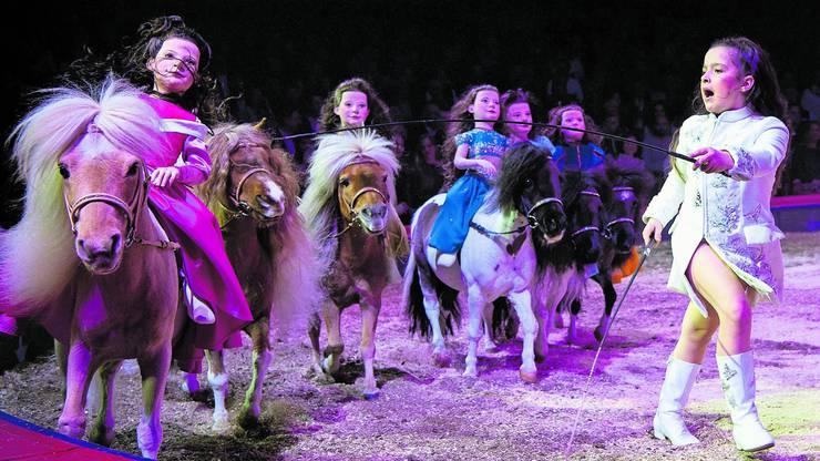 Chanel Marie Knie während ihres Auftritts an der Premiere zur 100-Jahr-Jubiläumstournee des Circus Knie.