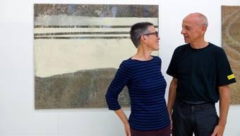 Nelly Frei und Guido Gläser stellen ihre Werke zurzeit in Dättwil aus. (Ursula Burgherr)