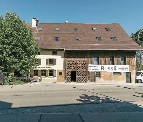 Die Liegenschaft Rössli ist Teil des historischen Dorfkerns von Aesch.