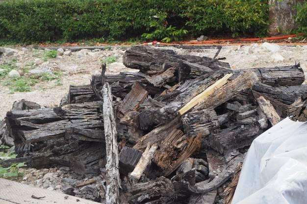 Im Juni stiess die Kantonsarchälogie auf 2000 Jahre alte Holzbalken. Diese wurden als Untergrund für die römischen Bäder gebraucht.