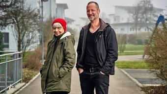 Beni Hess und seiner Mutter Martina Hess sind glücklich, dass Tochter und Enkelin Anna nach einem langen Hin und Her bei ihnen in der Schweiz leben darf.